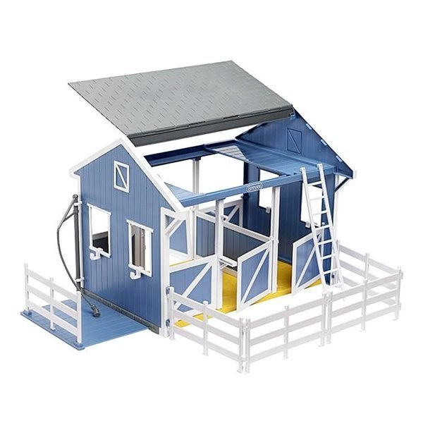 Breyer Classic Stable and Wash Stall